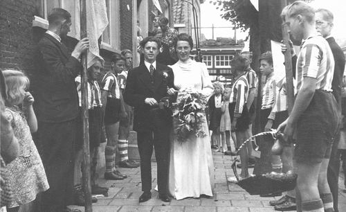 Tichelaar Teuntje 1913 19__ trouwt A Blok 01