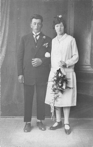 Tichelaar Thomas 1899 19__ trouwt Bets van der Weele