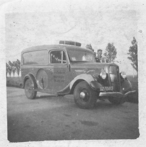 Tienderen Gebr 1946 Vrachtauto met Cor Honcoop