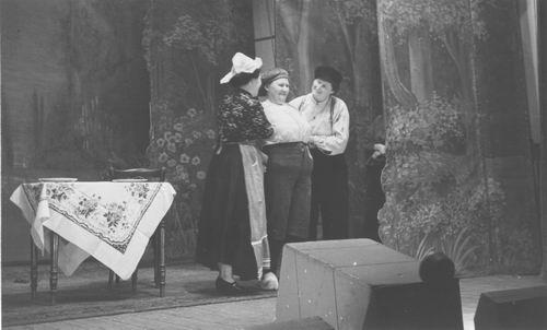 Toneel Plattelandsvrouwen 1950 Dik Trom 01