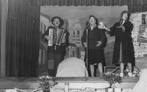 Toneelvereniging Adamson 1946 in Vijfhuizen 02