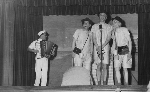 Toneelvereniging Adamson 1946 in Vijfhuizen 05