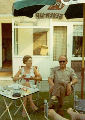 Vellekoop Arie 1902 1970 in Tuin Hoofdweg 659