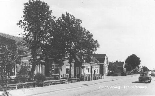 Venneperweg N 121_ 1963 met huize oa Schreurs