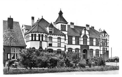 Venneperweg Z 0304 1956 St Antoniusschool