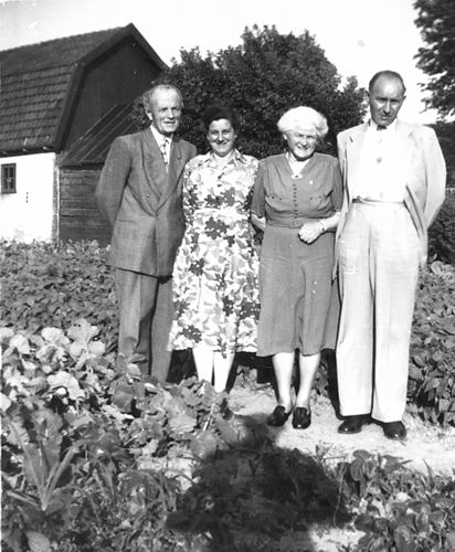 <b>ZOEKPLAATJE:</b>&nbsp;Verzaal-Cardol Catharina 19__ met Jan Galis en Onbekenden