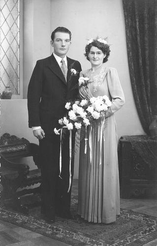 Verzaal Cornelia 1910 1950 trouwt Theo Arens