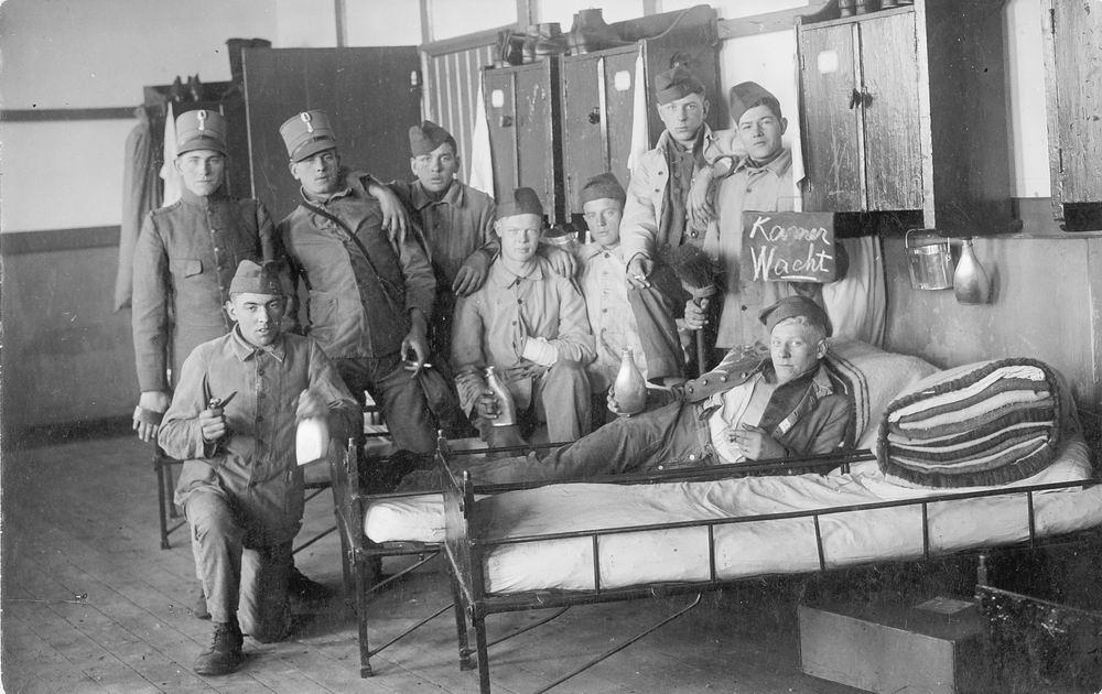 Verzaal Pieter 1913 19__ Soldaat op Kamerwacht