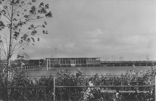 Vijfhuizen 1964 Gemeentelijk Sportpark.jpg