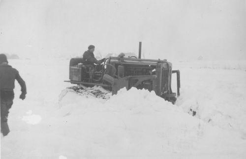 Vijfhuizerdijk 000001 1947 met Sneeuwschuiver op Ringvaart 02