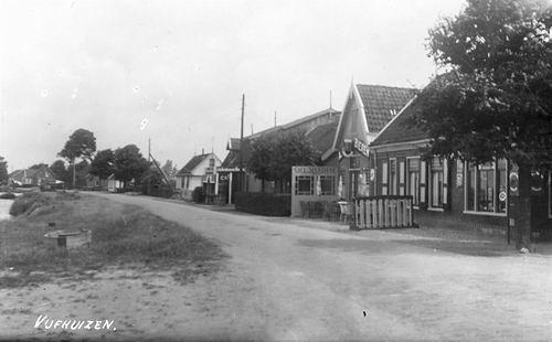 Vijfhuizerdijk 0003 1939 bij Cafe Sportlust