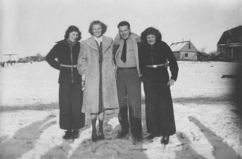 Vijfhuizerdijk 0011 1947 met Familie Meijer 03_1