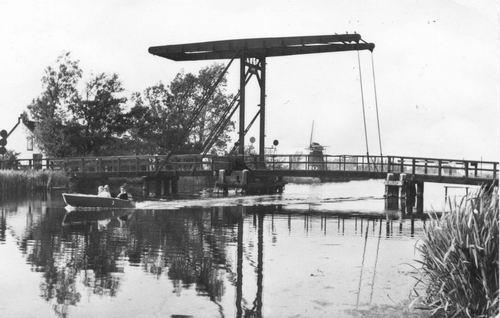 Vijfhuizerdijk 004_ 1960 Ophaalbrug.JPG