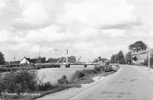 Vijfhuizerdijk 004_ 1974 met Ophaalbrug.JPG