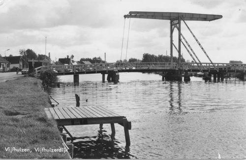 Vijfhuizerdijk 004_ 1979 met Ophaalbrug.JPG