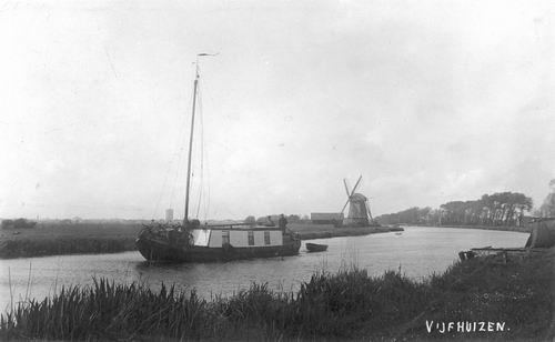 Vijfhuizerdijk 005_ 1941 Zicht naar Molen en Schuit