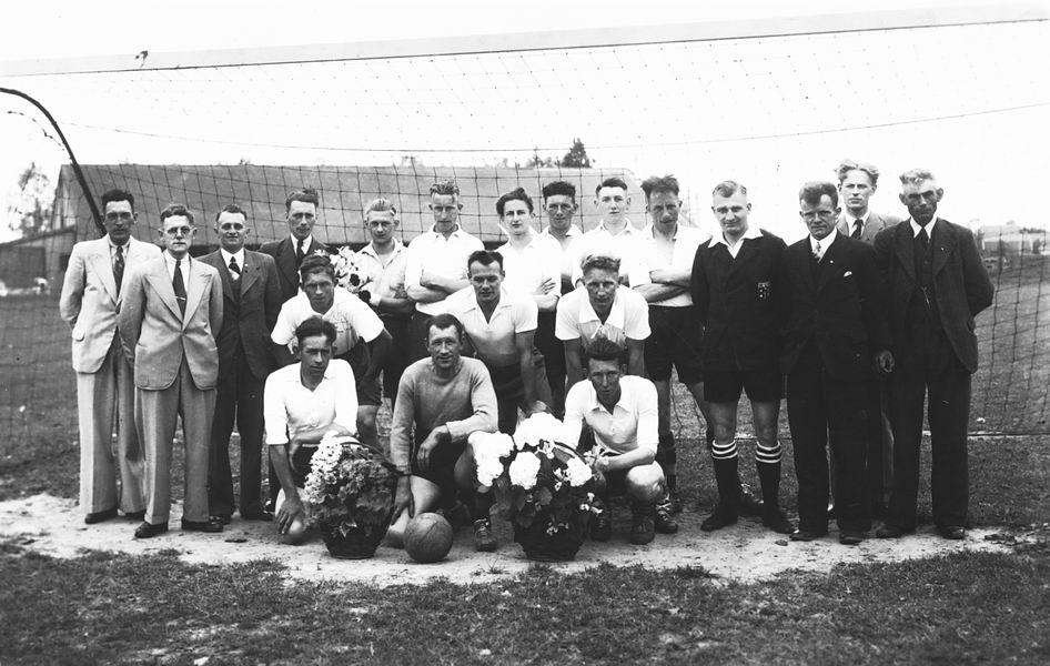Voetbal ETO 1943 Kampioen naar KNVB