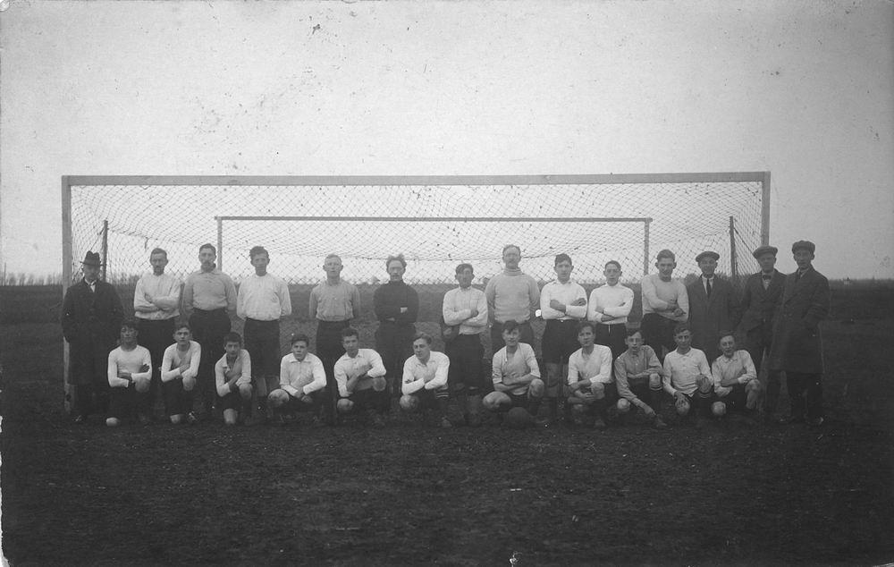 Voetbal ETO 1920± met Piet de Koning 02