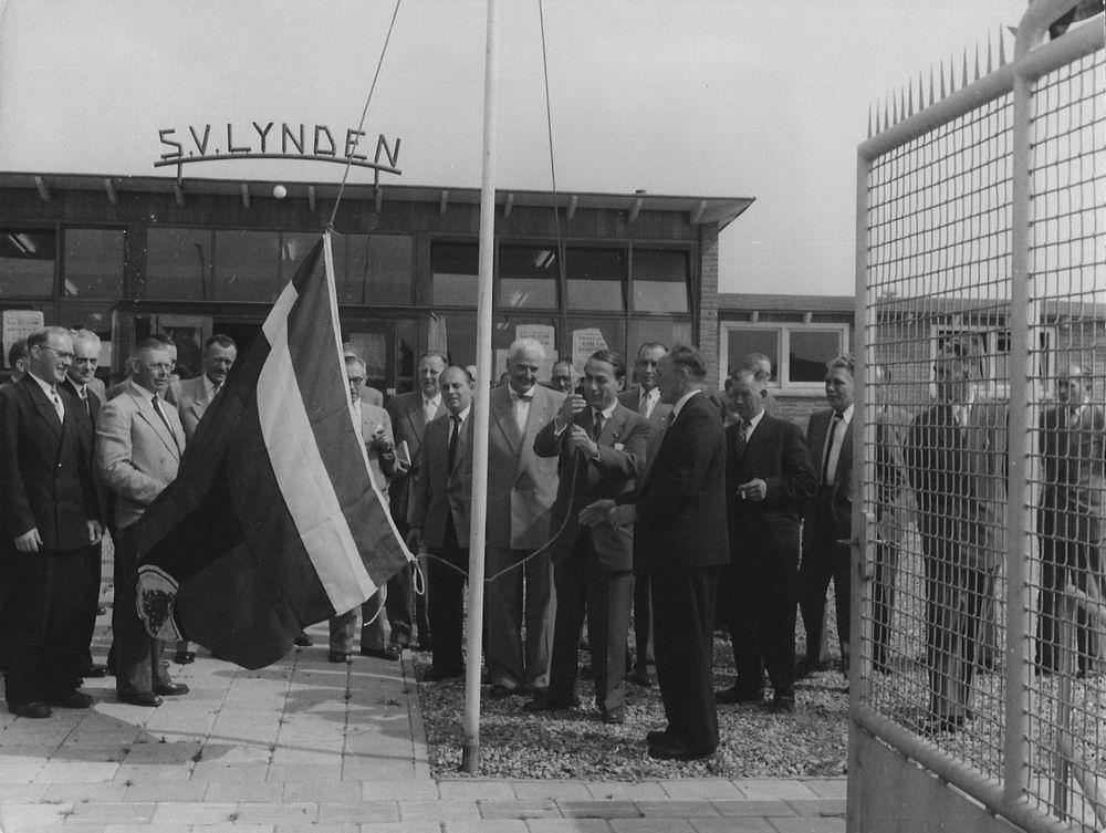 Voetbal SV Lijnden 1955 Opening Sportvelden Wijnmalenstraat