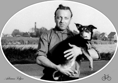 Volger Adriaan 1925 19__ met Hond Beertje