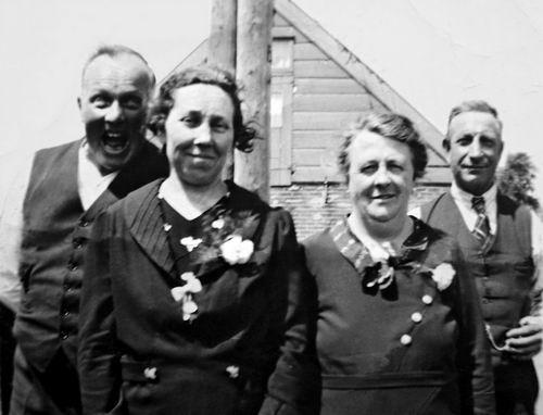 Volger Jan 1883 19__ met Vrouw en echtpaar Roemer
