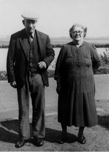Volger Jan 1883 19__ met vrouw Maria Roemer