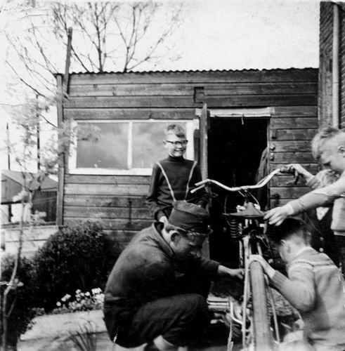 Volger Rinus 1943 19__ bij Lijnderdijk 211 01