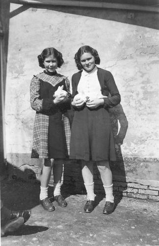 Vos Nel de 1931 19__ met Greet Cuvelier