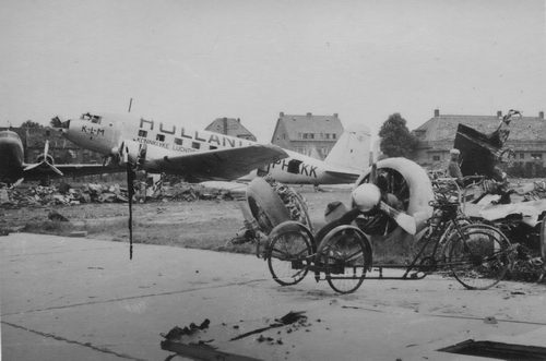 WO II 194_ Schiphol na Bombardement met oa Schipholdijk 141
