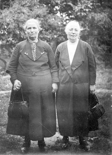 <b>ZOEKPLAATJE:</b>&nbsp;Wakker Bastiaan 1934 vrouw Johanna P Legierse met Onbekend 01