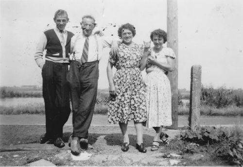 Wieringen Jan v 1899 1950 met Vrouw en Kinderen Jan en Siena