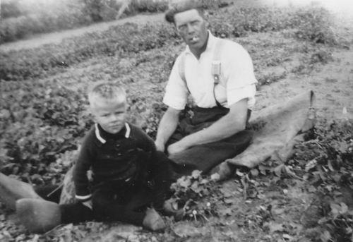 Wieringen Jan v 1933 1936 met Buurman Jan Kars in Tuin 01
