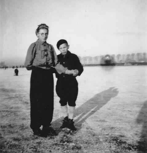 Wieringen Jan v 1933 1946 op IJs met Cokkie Korsman