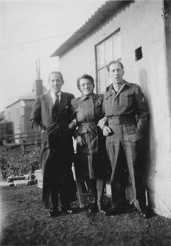 Wieringen Jan v 1933 1947 vrouw Johanna Mouwen met Halfbroers