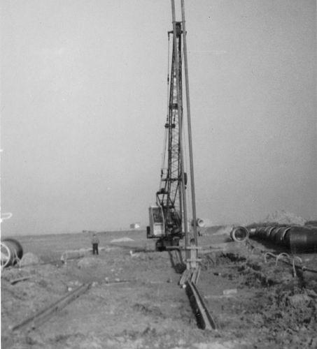 Wieringen Jan v 1933 1965 met Dragline bij Ruwwater Pijpleidingen bij IJweg 01