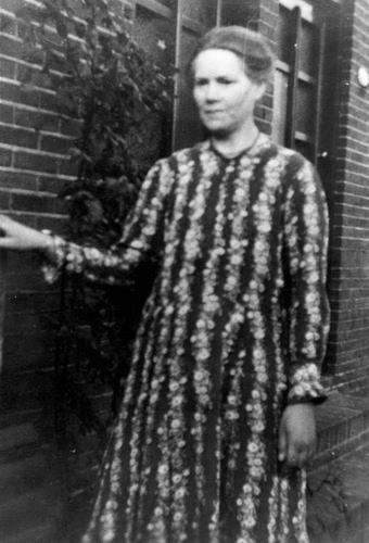 21 Wies Maria Pdr 1899 19__ aan de Zwarteweg in Aalsmeer