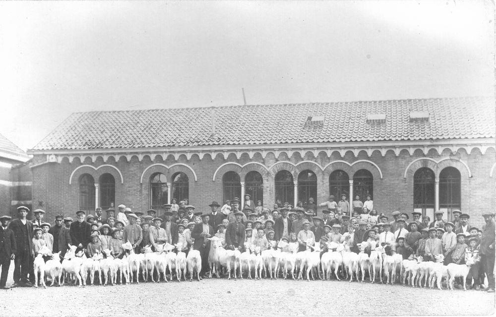 Hoofdweg O 1322 1915 Openbare L School 5 met Geitenkeuring 02