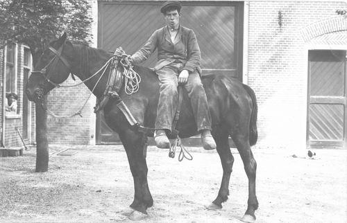 <b>ZOEKPLAATJE:</b>&nbsp;Wijk Fam v 1920 Onbekend 05