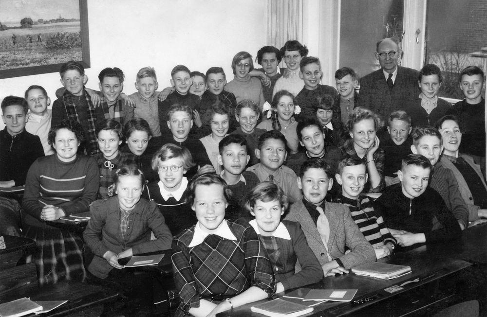 Christelijke MULO Hoofddorp 1953-54 Klas 1