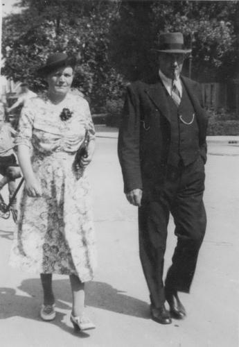 Witte Jan 1939 met vrouw Adriana J Bosman naar Concours Hippique