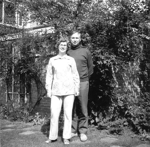 <b>ZOEKPLAATJE:</b>&nbsp;Zijverden Onbekend v 1951 Gezin Jozina Vonk-de Vries 0