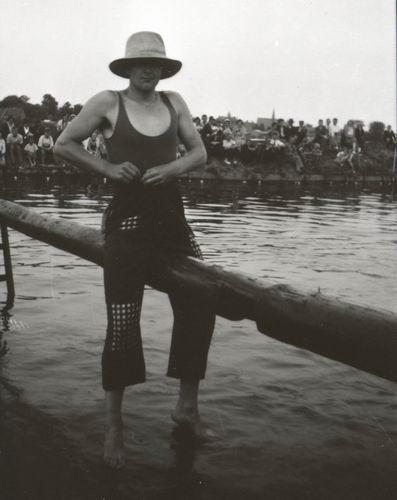 <b>ZOEKPLAATJE:</b>Zwembad 193_ Zwemfeest door Dr Zuijdam 01