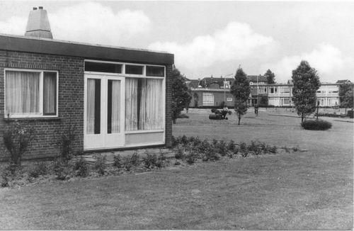 Zwanenburg Ouden van Dagen-centrum 1969 02