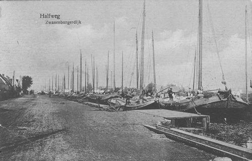 Zwanenburgerdijk 042_ 1926 met Schepen