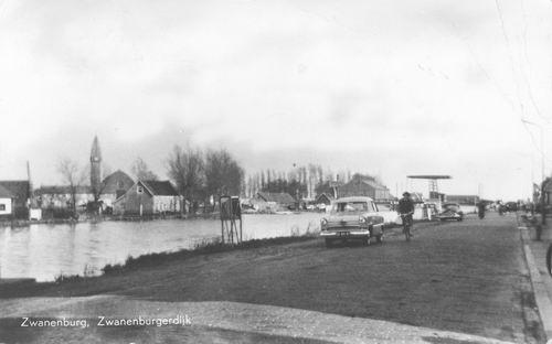 Zwanenburgerdijk 045_ 1959 Overzijde zicht op Halfweg