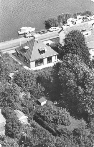 Zwanenburgerdijk 0500 1982 Luchtfoto huize vd Akker