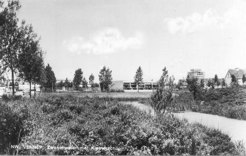 Zwanewater 1973 met Kleuterschool