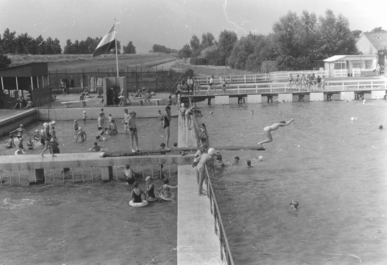 Zwembad in vol bedrijf