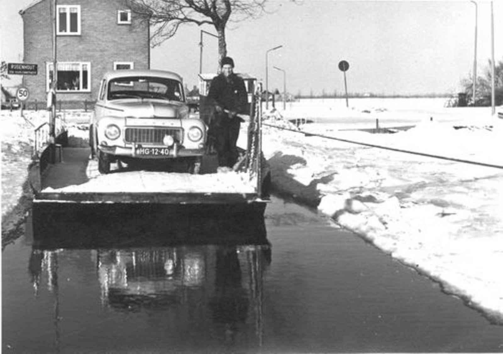 Aalsmeerderdijk 0677 1963 met Pontje en Cor Bloemer