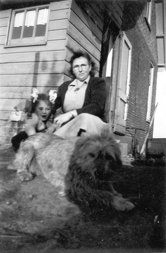 Aalsmeerderweg W 0895 1951 Huize v Breen met Gretha Schreuders 02